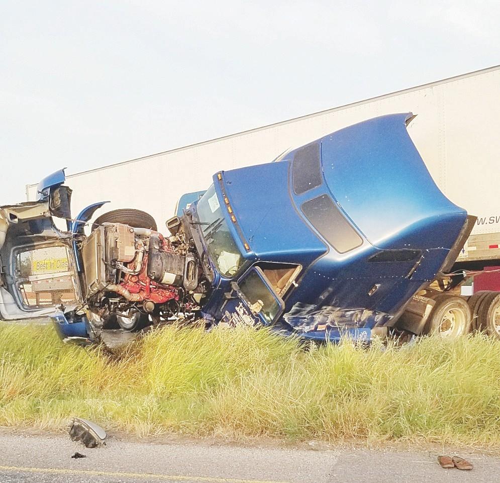 Accidente en la carretera Pénjamo - Abasolo - CANAL 13 MÉXICO
