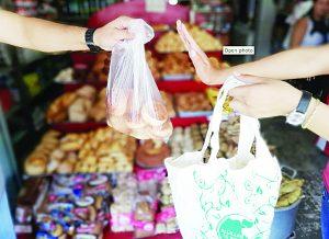 Pocos compran las bolsas reutilizables o ecológicas