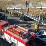 Muere pareja al estrellarse contra un puente peatonal en Reynosa