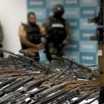 Detenidos por tráfico de armas son empleados de aduana no agentes aduanales