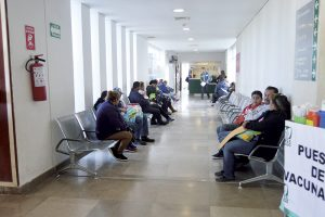 Faltan 14 médicos  al IMSS