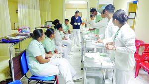Arrancan inscripciones en   la Facultad de Enfermería