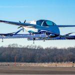 """VIDEO: El """"auto volador"""" de Boeing realiza su primer viaje"""