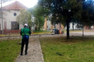 Mata a 8 coche bomba en Colombia