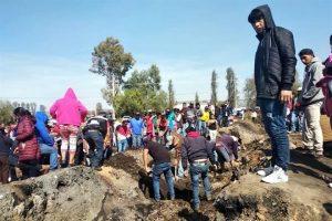 Urgen familiares seguir búsqueda de restos tras explosión