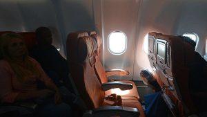 Aerolínea prohibirá volar a tripulación si no bajan de peso
