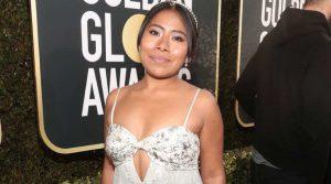 Deslumbra Yalitza Aparicio en los Golden Globes
