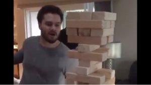 VIDEO: Hace increíble jugada en el Jenga