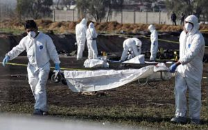 Suman 85 muertos tras explosión de ducto