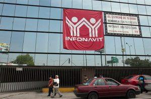 AMLO revisará créditos Infonavit, dice que nunca terminan de pagarse