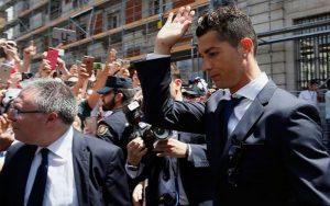 Condenan a Ronaldo a 2 años de cárcel y 18 millones de euros