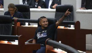 'El Mijis' propone prohibir peleas de gallos y corridas de toros en SLP