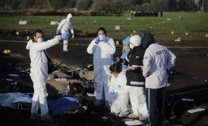 Suman 89 muertos por explosión en ducto