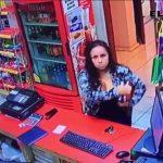 Captan a fiscal robando en papelería de Miguel Alemán