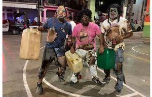 Indignan disfraces de huachicoleros quemados en carnaval de Oaxaca (VIDEO)