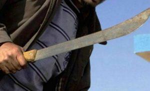 Hombre amenaza con matar