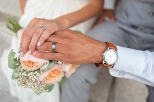 Proponen matrimonio temporal con opción a renovación