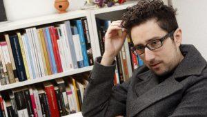 Gana Premio Alfaguara con novela sobre el amor en los tiempos de Tinder