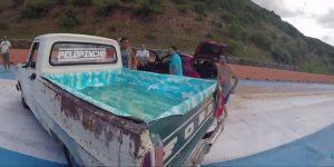 Como en 'Los Simpson': Convierten una camioneta en una piscina