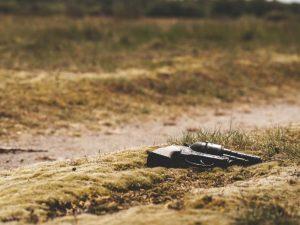 En plena misa, bala perdida casi hiere a pastor