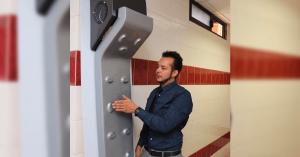 Mexicano crea secador corporal para reducir uso de toallas