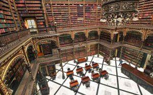 La asombrosa biblioteca de película hecha en el siglo XIX