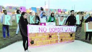 Recaudarán firmas contra  muro de Trump