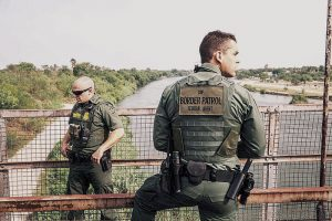 Ecuatorianos ilegales son arrestados