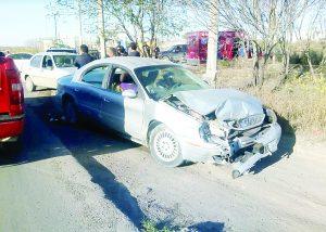 Doble accidente entre 3 vehículos