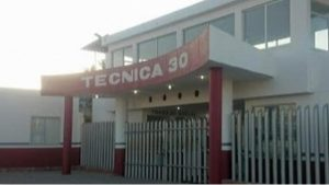 Estudiante de secundaria apuñala a maestra en Tlaxcala