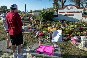 Conmemoran un año de masacre en Florida