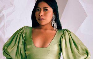 Deslumbra Yalitza en portada de Teen Vogue