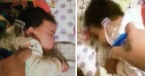 """Mujer despierta con agua a su bebé """"en venganza"""" por llorar en las noches"""