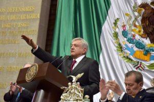 AMLO rompe con tradición de casi un siglo; no tiene foto oficial como Presidente de México