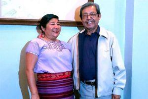 Leen poesía en náhuatl y mixteco