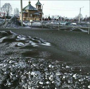 cae-nieve-negra-y-toxica-en-rusia