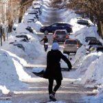 Adolescente gana 35,000 dólares por recoger nieve en Seattle