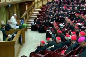 Pide Papa a obispos acabar con abusos