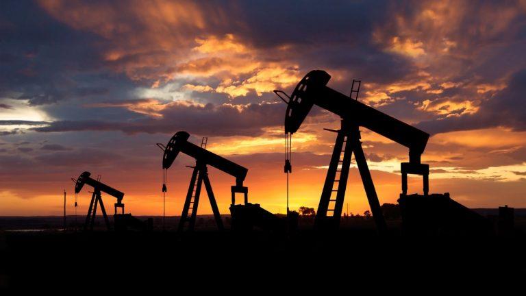 Ignoran a AMLO, CNH autoriza planes de Pemex que incluyen fracking