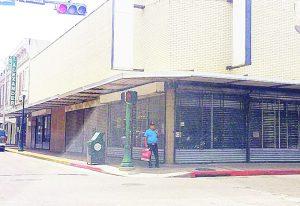 Agoniza el centro de Laredo, Texas