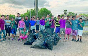 Se suman jóvenes al 'Trash Challenge'