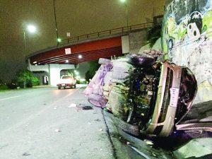 Se mata mujer en puente Madero