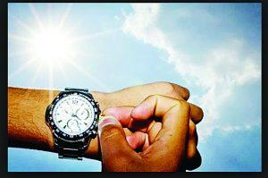Esta noche adelante una hora su reloj