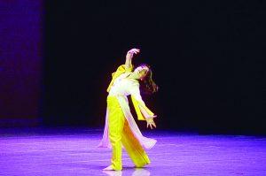 Danzan de alegría