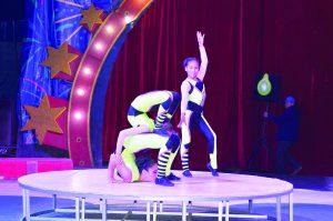 Gozan ellas su vida en el circo