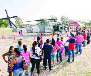 Hoy, Paseo Dominical  en el Cuartel Militar