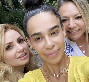 Reaparece 'la gaviota' con familia de Maluma