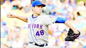 Gana deGrom duelo de pitcheo