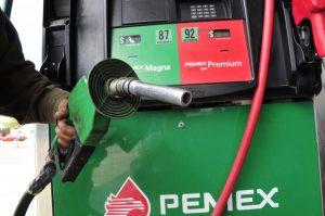 Venden  gasolina  de menos en NLD