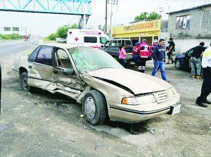 Abuelo causa accidente por manejo imprudente